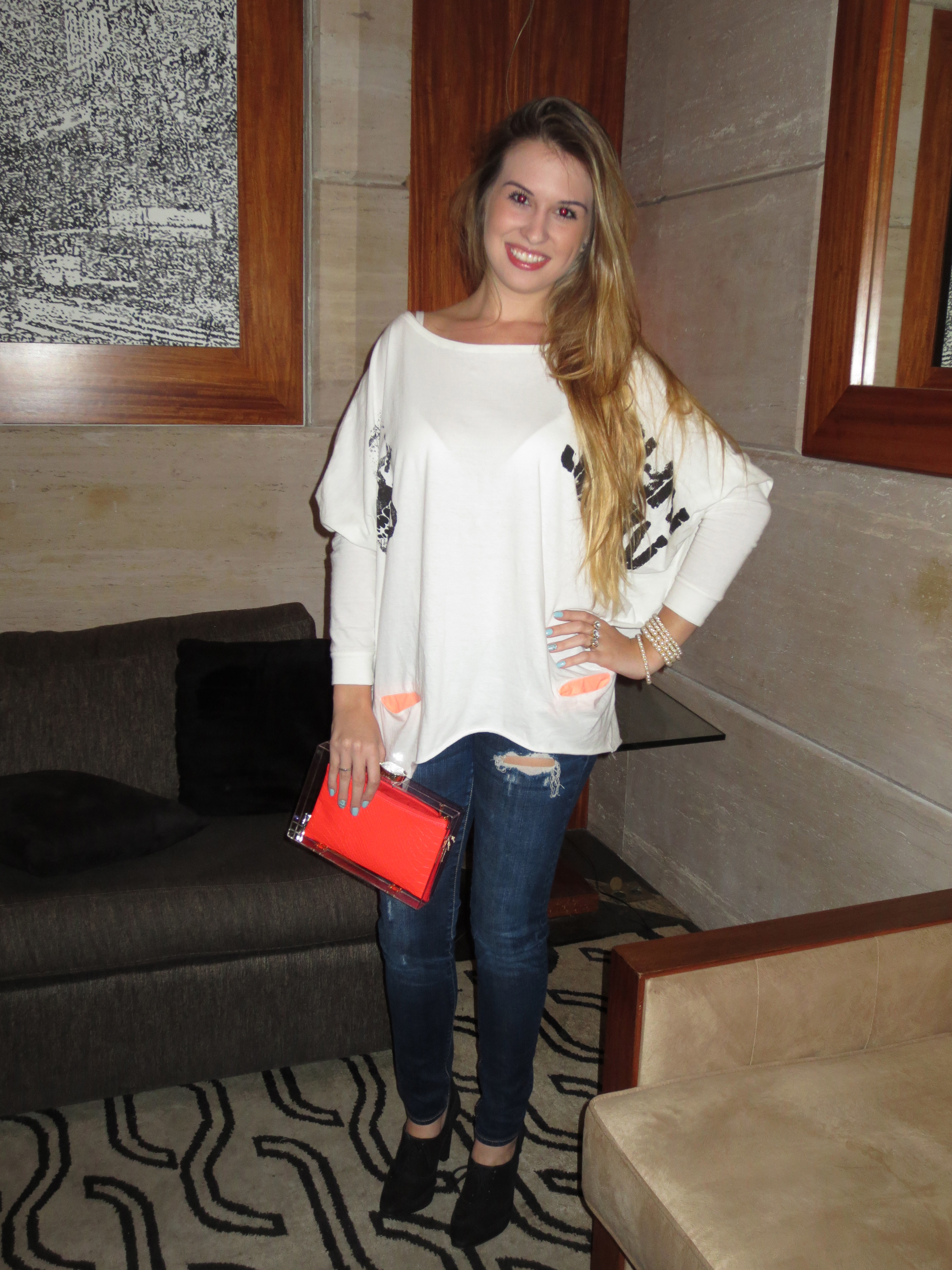 Bolsa Dourada Durante O Dia : Look do dia blusa de cruz bolsa acrilico crie moda